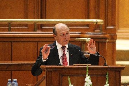 """Deutsche Welle: """"Băsescu este cel puţin la fel de corupt ca aceia cu care afirmă că se luptă"""""""