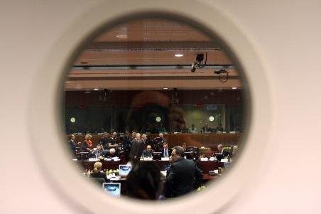 Pronunţarea pe legea privind reprezentarea României la UE, amânată de magistraţii CCR pentru 19 septembrie