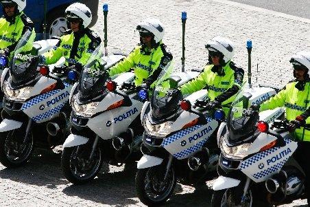 9 poliţişti români pleacă în Anglia pentru a lucra trei luni alături de omologii londonezi