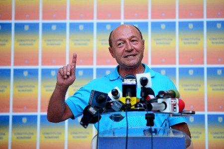 Cât de CINSTIT este Traian Băsescu în campanie? Se pare că a început cu stângul