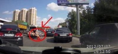 Imaginea din trafic care i-a făcut pe ruşi de ruşine. Ce au văzut şoferii şi nu le-a venit să creadă ochilor