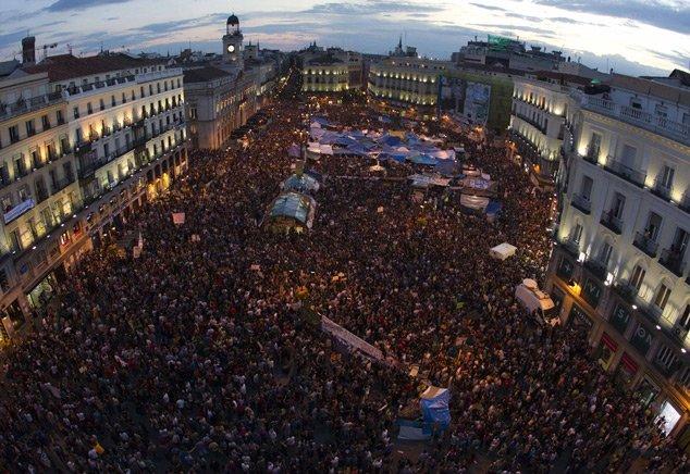 """Măsurile de austeritate fără precedent din Spania au scos în stradă zeci de mii de oameni. """"Situaţia este foarte gravă"""""""