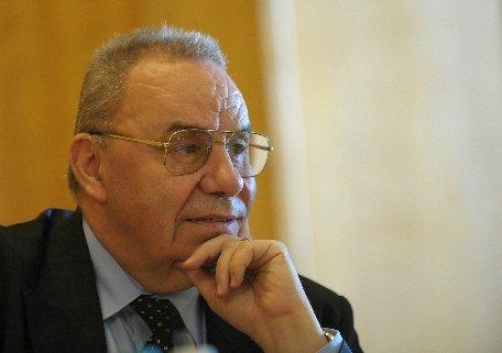 Andrei Marga: Numărul secţiilor de votare din străinătate se va suplimenta la cererea comunităţilor