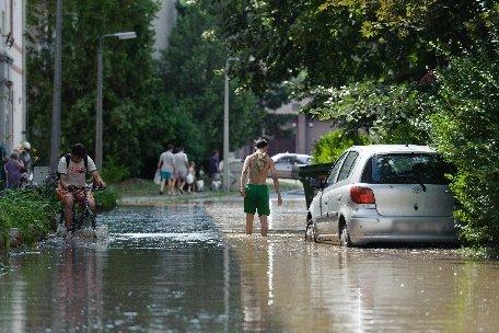 Japonia. Circa 400.000 de persoane au primit ordin de evacuare din cauza ploilor torenţiale din ultimele zile