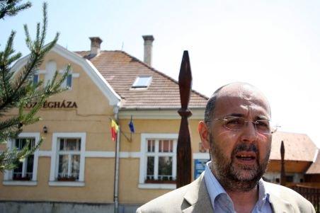 "Preşedintele UDMR s-a cununat religios la Biserica ""Sf. Mihail"" din Cluj-Napoca"