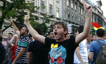 """""""DA, să trăim bine, dar fără tine"""": Miting USL la Braşov pentru demiterea lui Traian Băsescu"""