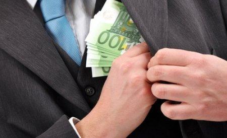 Şi regii fac economii: Salariul regelui Spaniei va fi redus cu 7%, la fel ca cele ale funcţionarilor publici
