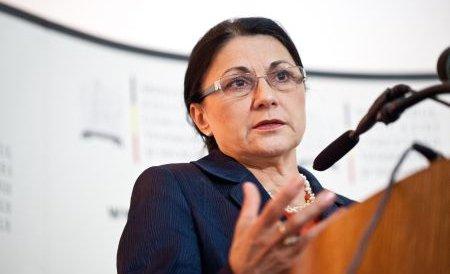 Andronescu: Voi respecta decizia CNE cu privire la doctoratul lui Ponta. Nimeni nu e mai presus de lege