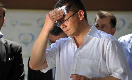 Ungureanu: Mă gândesc ce trebuie făcut. Mergem cetăţeneşte la vot sau boicotăm?