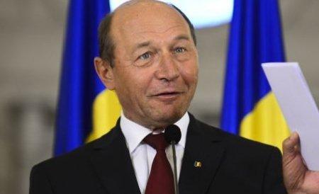 """Băsescu a fost apreciat ca Popeye marinarul, iar acum a ajuns ca Olive"""