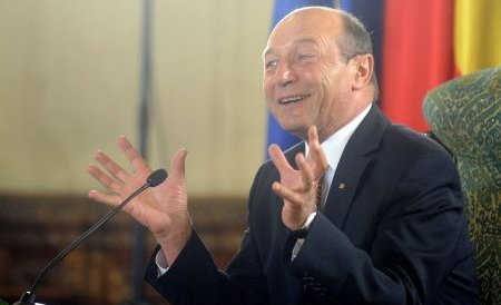 Băsescu: Voi fi printre cei care merg la vot duminică