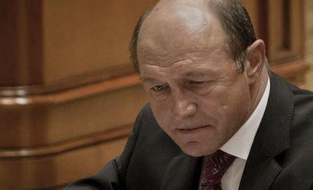 Intelectualii au demonstrat că demiterea lui Băsescu este constituţională. Citeşte scrisoarea adresată liderilor UE