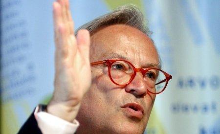 Swoboda: Este crucial ca românii să participe la referendumul de duminică
