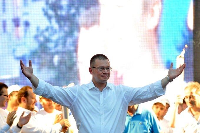 Băsescu: Antonescu a înţeles că MRU o să îl bată de o sa îl snopească la prezidenţiale