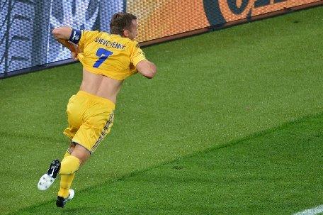 Ucraineanul Andrei Şevcenko renunţă la fotbal pentru politică