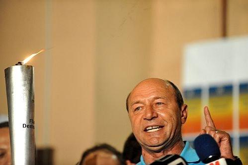 REZULTATE REFERENDUM 2012. CCSB: DA - 87,55%, NU - 11,12%. Nici măcar 1 milion de români n-au votat PRO Băsescu