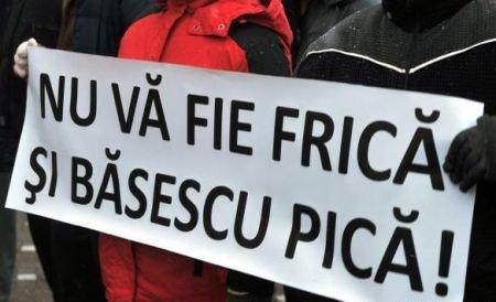 Financial Times: Băsescu ar trebui să reflecteze la ceea ce l-a făcut atât de nepopular printre români