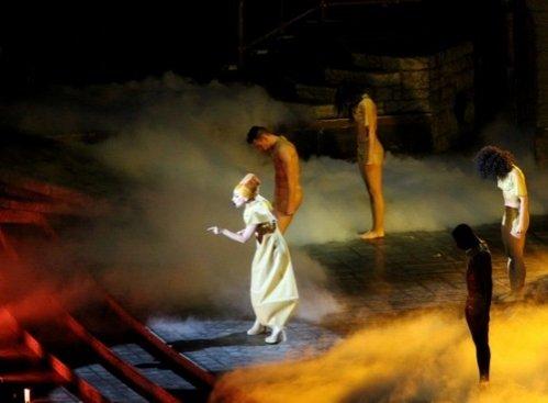 Lui Lady Gaga i s-a făcut rău pe scenă. Ce a declarat artista la întoarcere a uimit zecile de mii de oameni