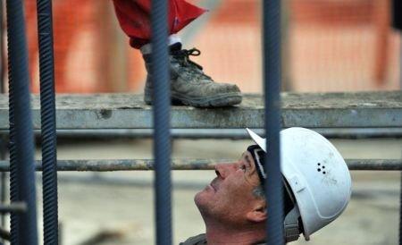 Veste bună pentru români. Franţa ar putea ridica restricţiile de muncă