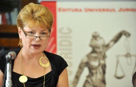 Biografia Monei Maria Pivniceru, ministru al Justiţiei în Cabinetul Ponta