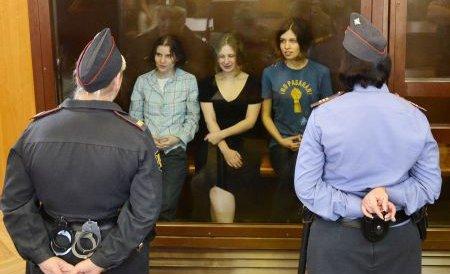 Cele trei membre Pussy Riot, condamnate la doi ani de închisoare, au făcut apel