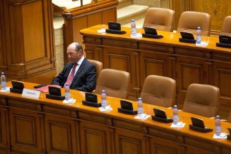 La mâna Parlamentului. Vezi propunerile lui Ioan Ghişe pentru a bloca revenirea lui Băsescu la Cotroceni