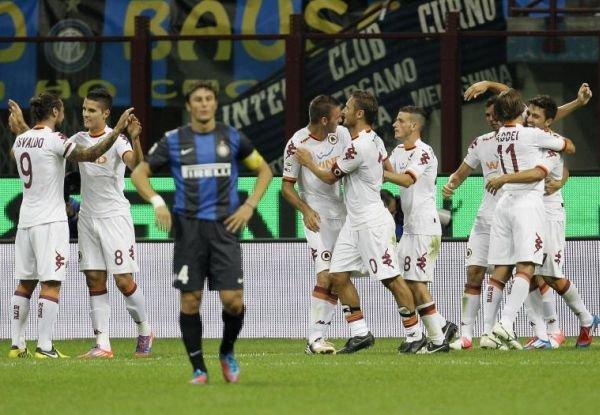 Serie A: AS Roma obţine o victorie spectaculoasă la Milano, 3-1 cu Inter