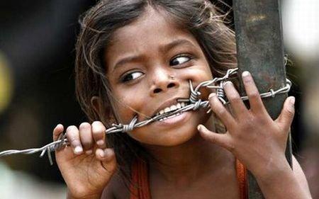 Jocurile foamei. Fac băncile profit de pe urma crizei de alimente? Cine a împins milioane de oameni în sărăcie şi foame?