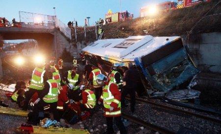 14 români implicaţi în accidentul din Franţa repatriaţi până acum. Trei pleacă miercuri spre România