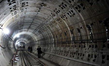 Premierul Ponta vrea să treacă Metrorexul în subordinea Primăriei Capitalei şi să privatizeze CFR Marfă