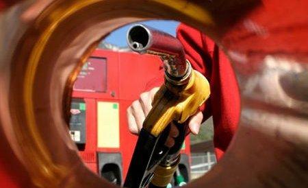 Preţul benzinei transformă şoferii în hoţi? Oamenii alimentează...gratis, dar ilegal. Vezi cum acţionează