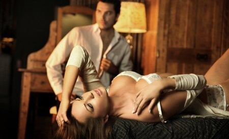 Poziţii sexuale din Kama Sutra, învăţate la şcoala de prostituţie. Cine merge la cursuri are loc de muncă garantat
