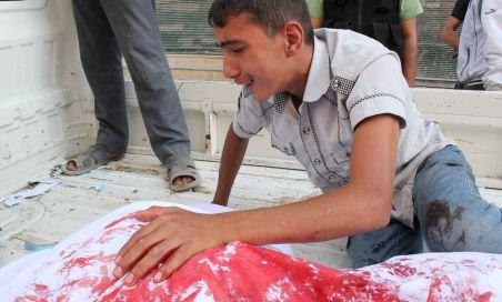 Cel mai sângeros bilanţ din Siria. Peste 300 de morţi într-o singură zi, un record al celor 18 luni de conflict