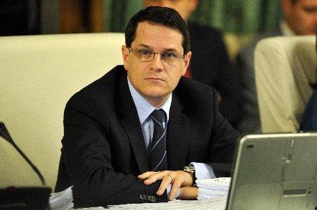 Income Magazine: Ministrul Turismului, Eduard Hellvig, explică situaţia de la minister