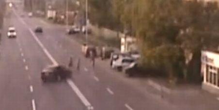 Oamenii, popice pe şosea. Doi bărbaţi au fost loviţi lângă o trecere de pietoni din Buzău