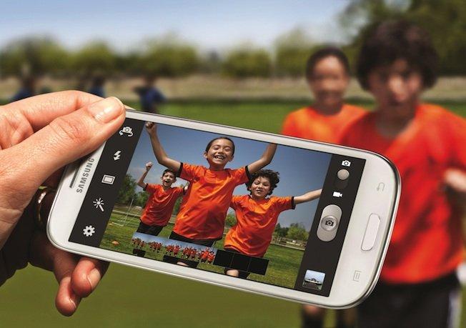 Samsung pregăteşte Galaxy S III Mini pentru a concura direct cu iPhone 5