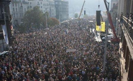 Aproape 200.000 de maghiari au protestat la Budapesta