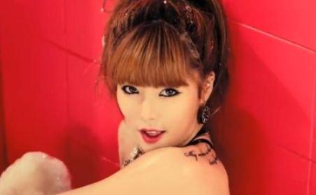 """Mai ceva ca """"Gangnam Style"""". Videoclipul ei strânge 2 milioane de vizualizări pe zi!"""