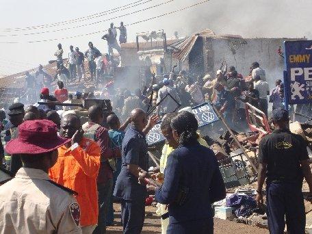 Mai mulţi creştini furioşi au incendiat un bărbat, crezând că acesta este musulman, într-un act de răzbunare