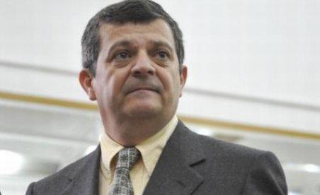 Sima nu se întoarce în România. Ce anunţ a făcut brokerul român