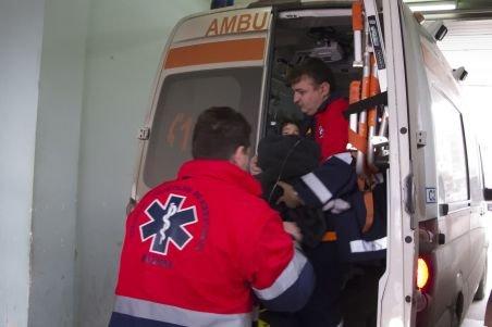 Buzău: Pacientul din ambulanţa implicată într-un accident rutier a murit în drum spre spital
