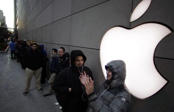 Apple a vândut a vândut 3 milioane de tablete iPad Mini şi iPad 4 în primele trei zile de la lansare
