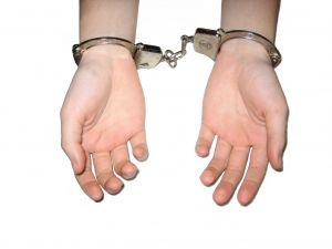 Un băiat de 11 ani a fost găsit vinovat de agresare sexuală a unei femei adulte