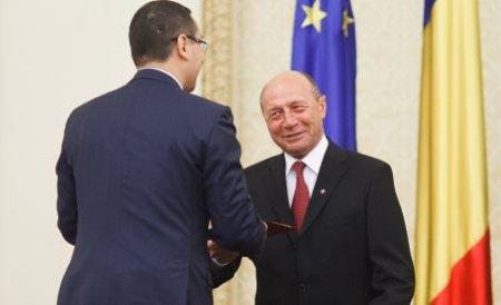 """Victor Ponta vrea să facă PACE cu Traian Băsescu. """"Cred că preşedintele va rămâne în funcţie"""""""
