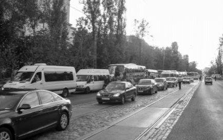 Trafic rutier restricţionat în Capitală, pentru parada militară organizată de Ziua Naţională