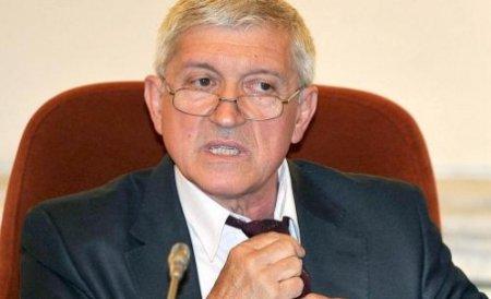 Mircea Diaconu şi-a anunţat în plen demisia din Senat: Voi continua să apăr imaginea Parlamentului