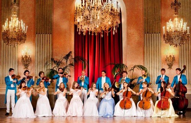 """Iubitorii de muzică clasică vieneză pot opta pentru """"Crăciunul Vienez"""" al Vienna Strauss Orchestra şi Edvin Marton"""