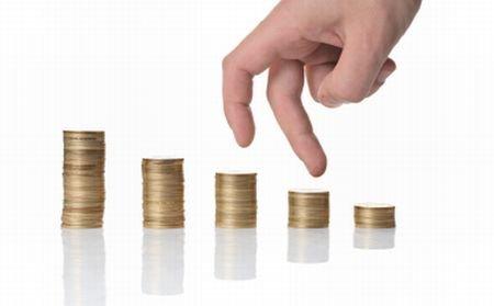 Salariile angajaţilor în companiile de stat pot creşte cu 3%. Indemnizaţiile directorilor rămân îngheţate