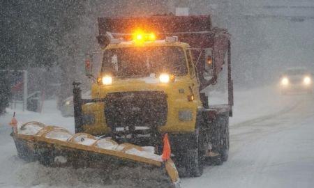 Furtună de zăpadă în Canada. Traficul rutier, paralizat. Sute de curse aeriene, anulate