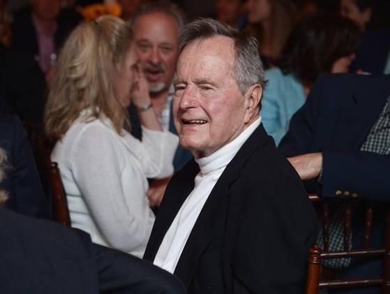 Revista germană Der Spiegel a publicat din greşeală necrologul lui George Bush
